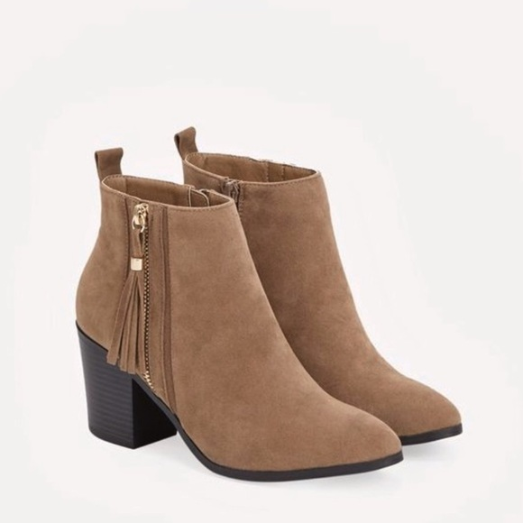 JustFab Shoes - Tan Ankle Boots with Tassels